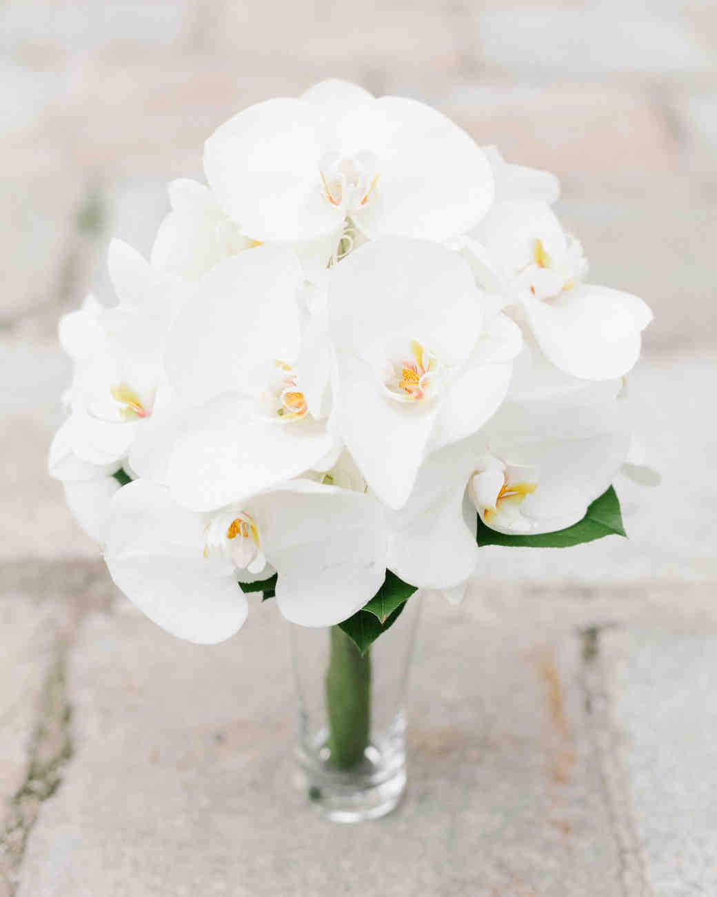 عکس دسته گل عروس ارکیده سفید ساده