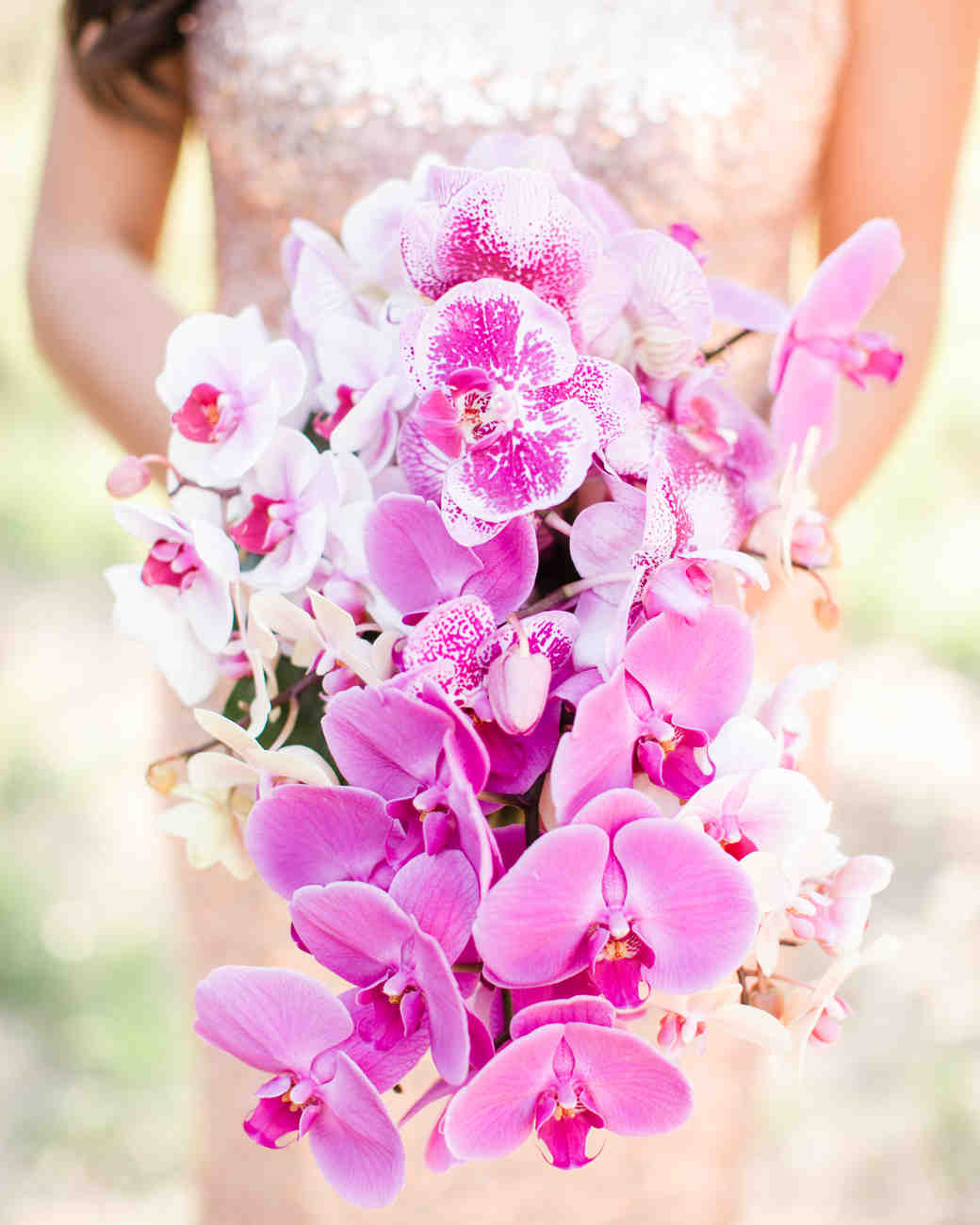 دسته گل عروس ارکیده صورتی