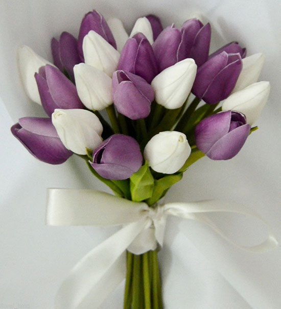 دسته گل عروس لاله بنفش