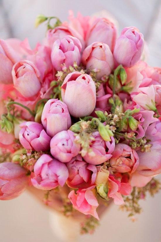 دسته گل عروس لاله صروتی