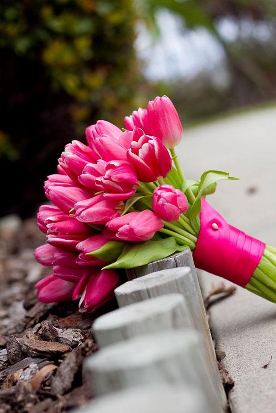 مدل دسته گل عروس لاله صروتی
