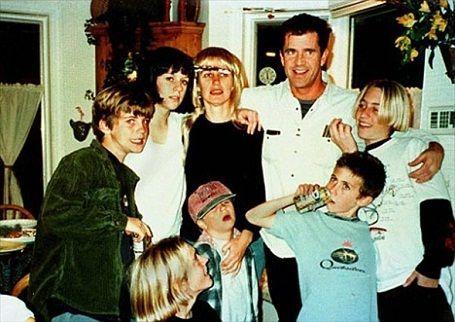 مل گیبسون و همسرش رابین مور و فرزندانش