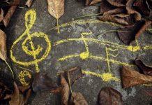 دانلود آهنگ و متن شعر پاییز آمد در میان درختان