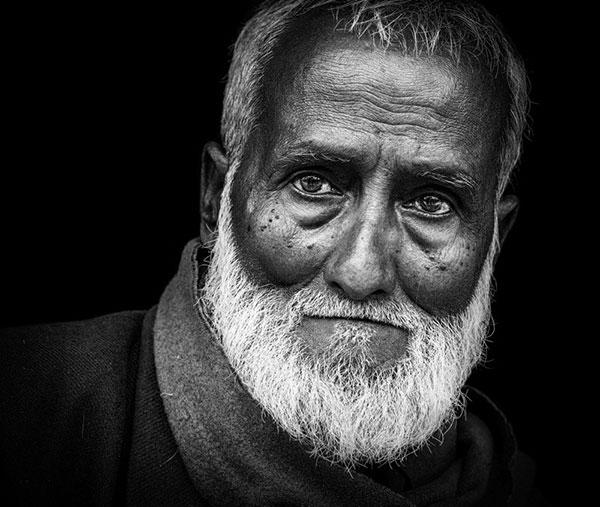 عکس سیاه و سفید هنری چهره پیرمرد