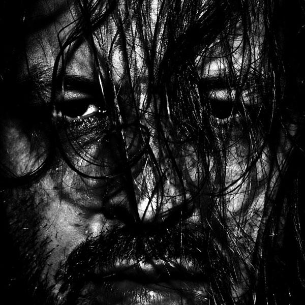 عکس سیاه و سفید هنری چهره مرد