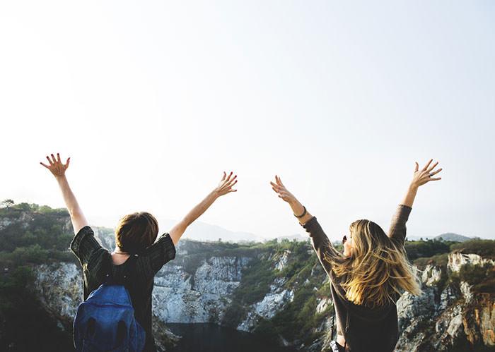 چگونه خوشبخت باشیم و خوشحال زندگی کنیم؟