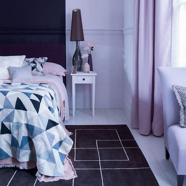 دیزاین داخلی اتاق خواب به رنگ بنفش روشن