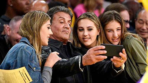 سیلوستر استالونه و دخترانش
