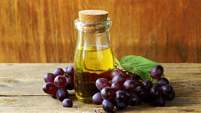 خواص روغن هسته انگور برای سلامتی و پوست و مو