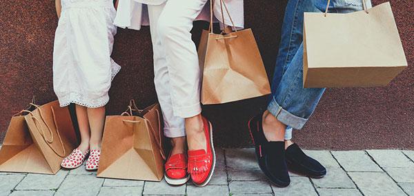 ست کردن کفش و لباس برای خانم ها