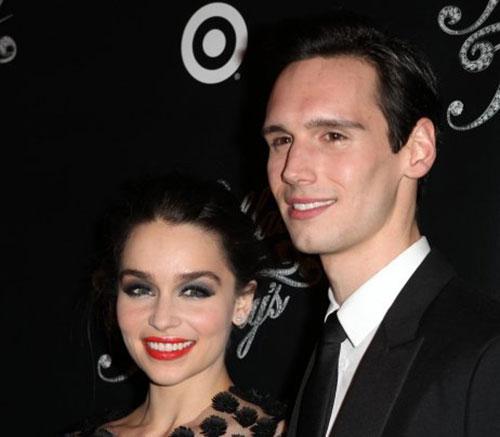 امیلیا کلارک و نامزدش