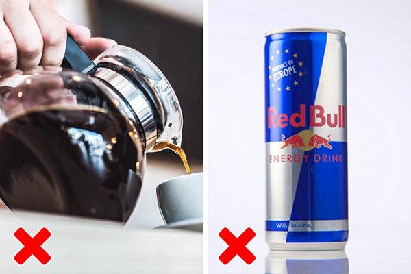 بیش از حد قهوه و نوشیدنی های انرژی زا مصرف نکنین