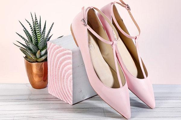 کفش برای روز مادر