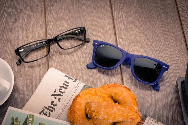 هدیه روز مرد برای همسر و شوهر : عینک مطالعه و عینک آفتابی