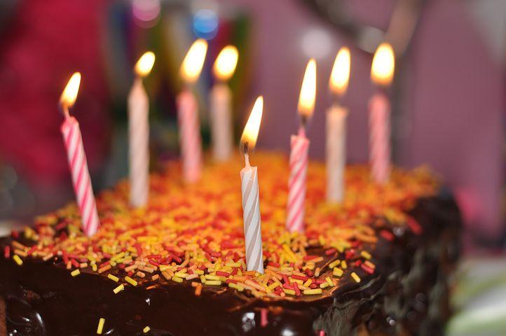 سورپرایز کردن همسر در روز تولد
