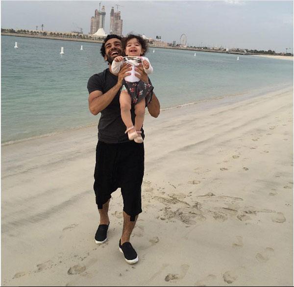 محمد صلاح و دخترش مکه