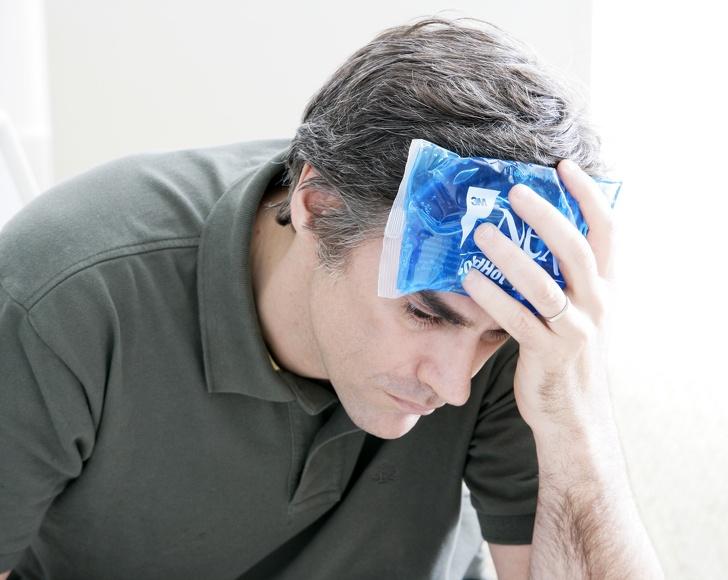 درمان سریع میگرن در منزل : یخ و آب یخ