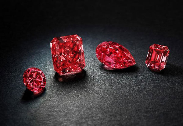 روانشناسی رنگ قرمز؛ انواع رنگ سرخ تیره و روشن نماد و نشانه چیستند؟