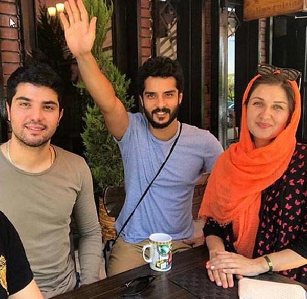 سینا مهراد و برادرش ساعد سهیلی و گلوریا هاردی