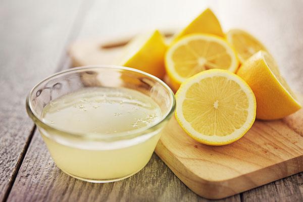 درمان سرفه خلط دار با آب لیمو