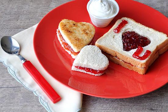 عکس صبحانه عاشقانه دونفره