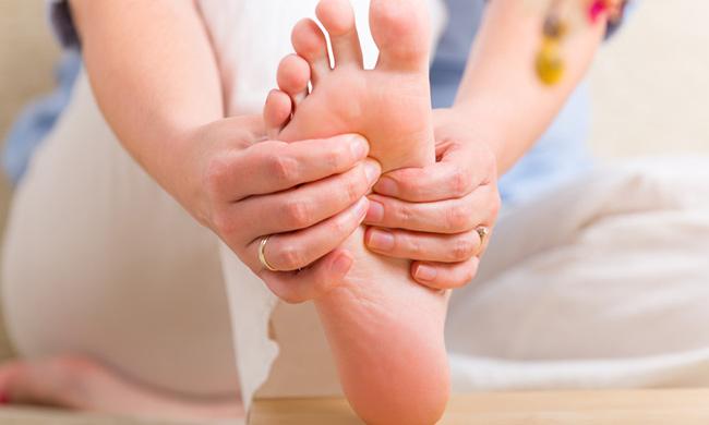 ماساژ پا برای درمان بی خوابی