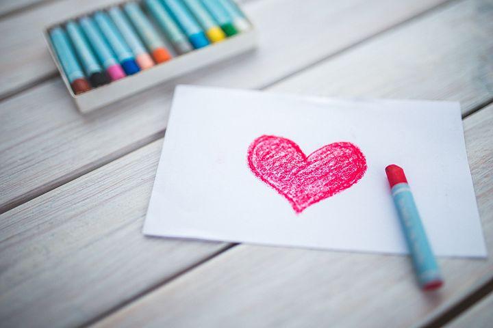 تعریف زیبای عشق واقعی در یک جمله از نظر بزرگان