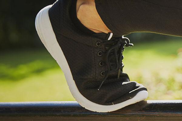 انعطاف پذیری کفش پیاده روی و دویدن