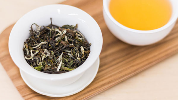 چای سفید چه طبعی دارد؟