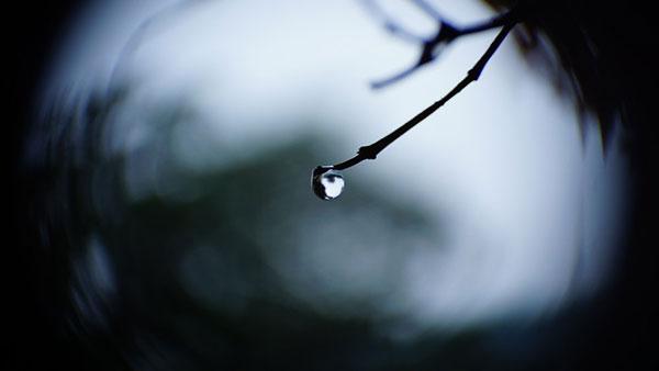 انشا در مورد داستان یک قطره باران