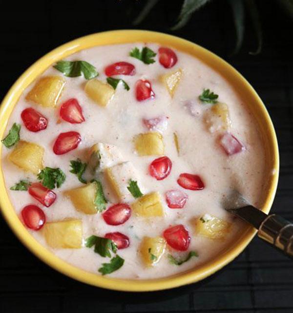 طرز تهیه ماست میوه ای با آناناس و انار