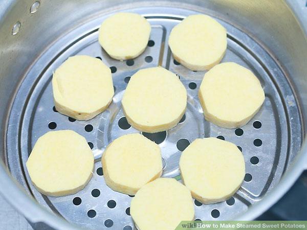 طرز تهیه سیب زمینی شیرین بخار پز