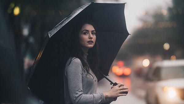 عکس پروفایل دخترونه با چتر